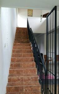2 room up stair house for S/L term rent - Polgasowita - 一軒家