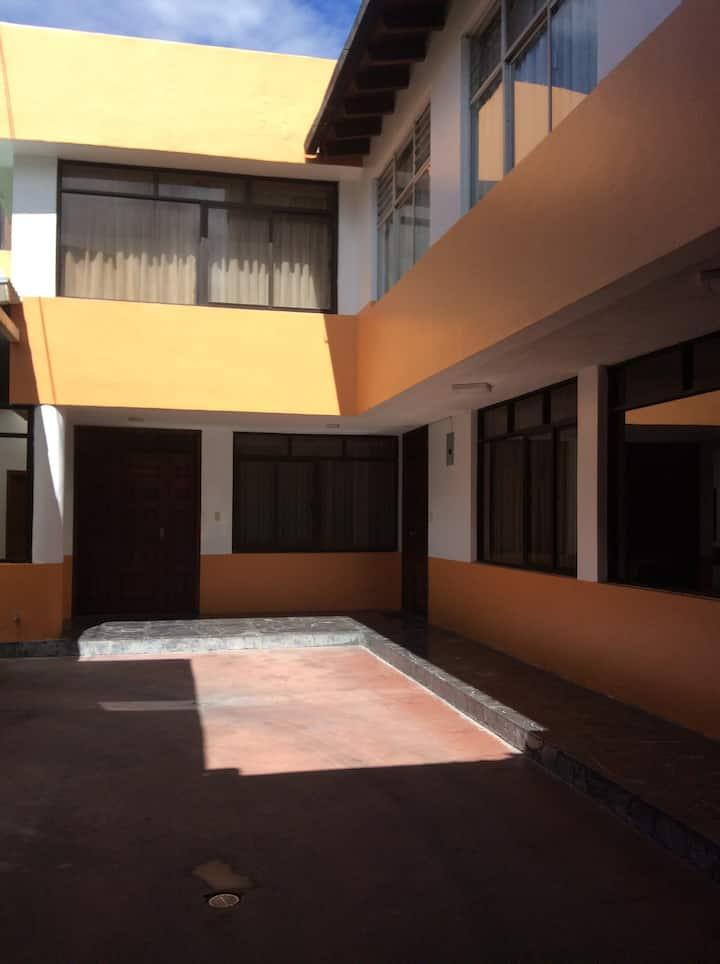 Habitaciones Amobladas cómodas e independiantes