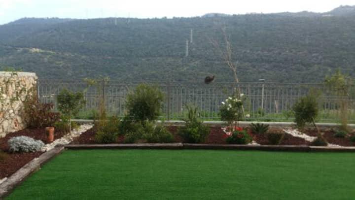 Nice place  with garden close to University Haifa