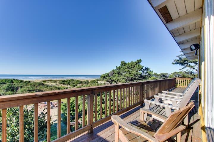 Oceanfront, dog-friendly rental w/ gorgeous ocean views in a convenient location