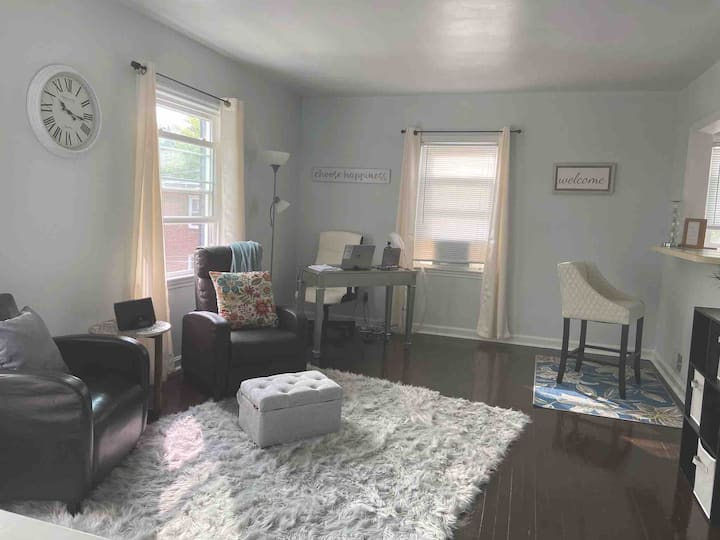 Charming home 10 min from Capitol