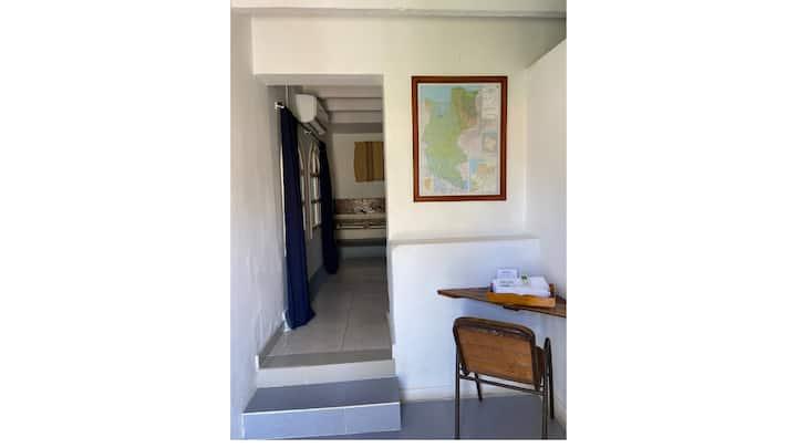 Habitación doble en el jardín en Onaca Hostal