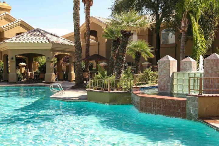 Resort Style Condo in Scottsdale/Paradise Valley