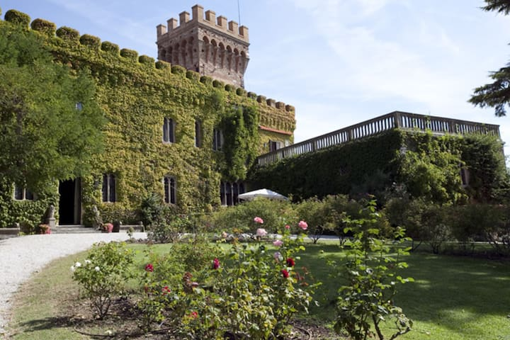 Castello Leopoldo - Campiglia Marittima