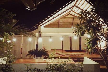 Villa Kalachuchi V.K   Guest room B&B - Puerto Princesa