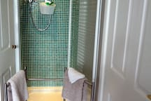 New power shower and plenty of towels