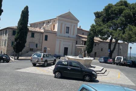 Casa Sabina - Moricone, Metro Roma. - Moricone - Apartmen