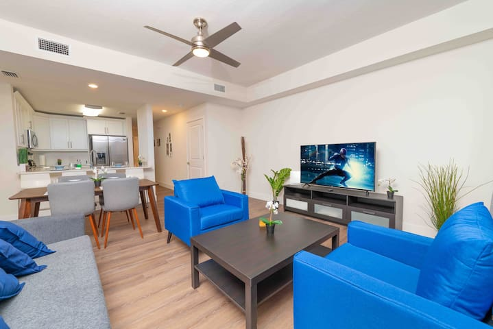 *Sparkling New* Modern Waterfront Townhome