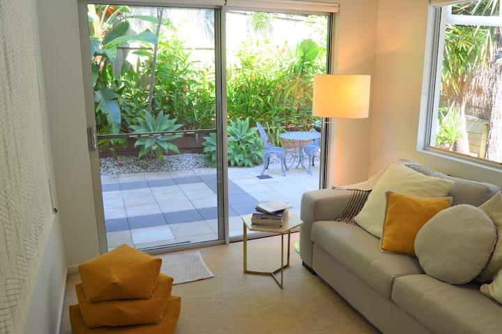 'Little Crest' Private Guest Suite