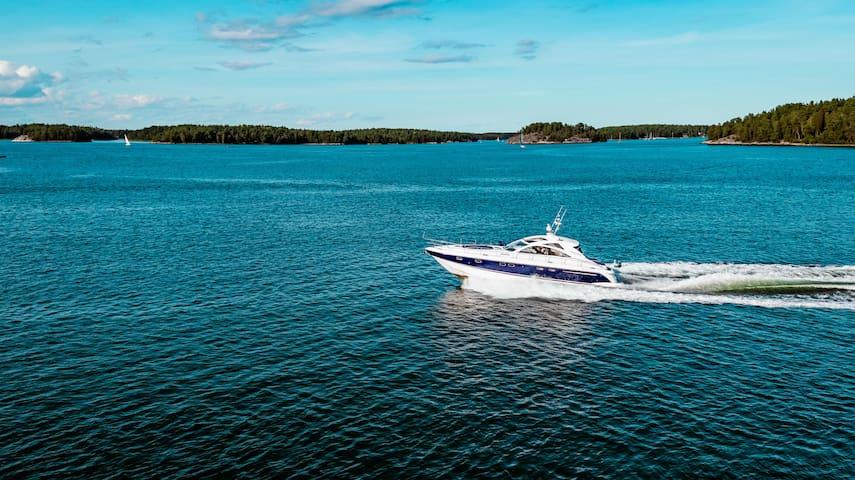 Luxury Yacht in Strandvägen