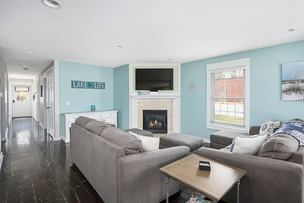 """Family Room with New 55"""" LED 4K TV and Gas Fireplace"""