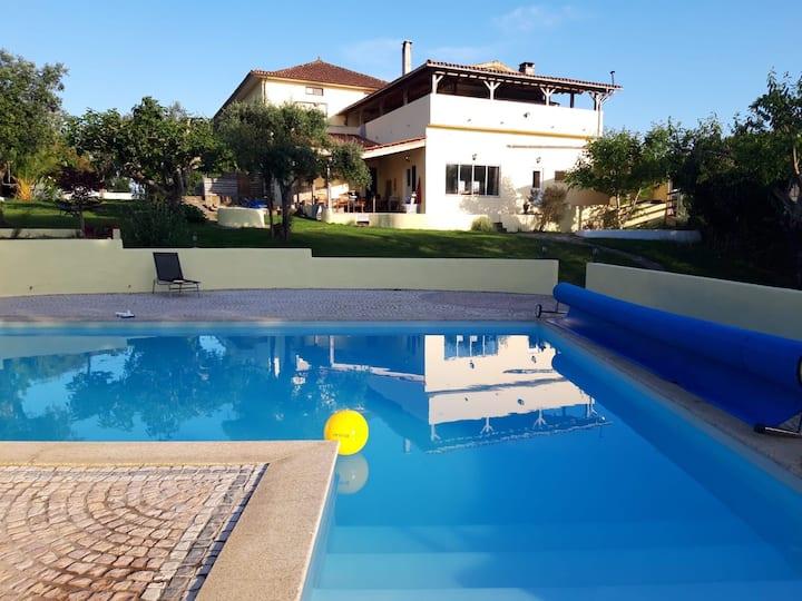 Appartement Sobreiro met gedeeld zwembad en tuin