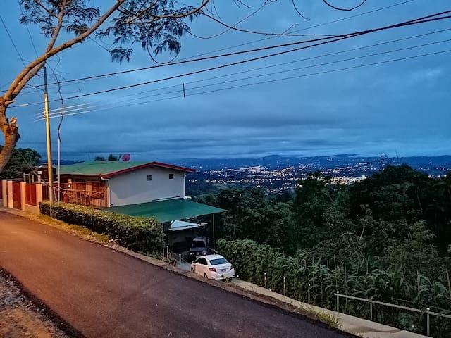 Bella Vista P.Z- Casa Tito´s