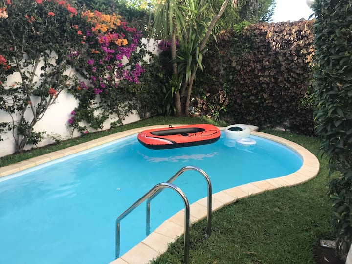 Cosy small villa with pool 5min walk from beach