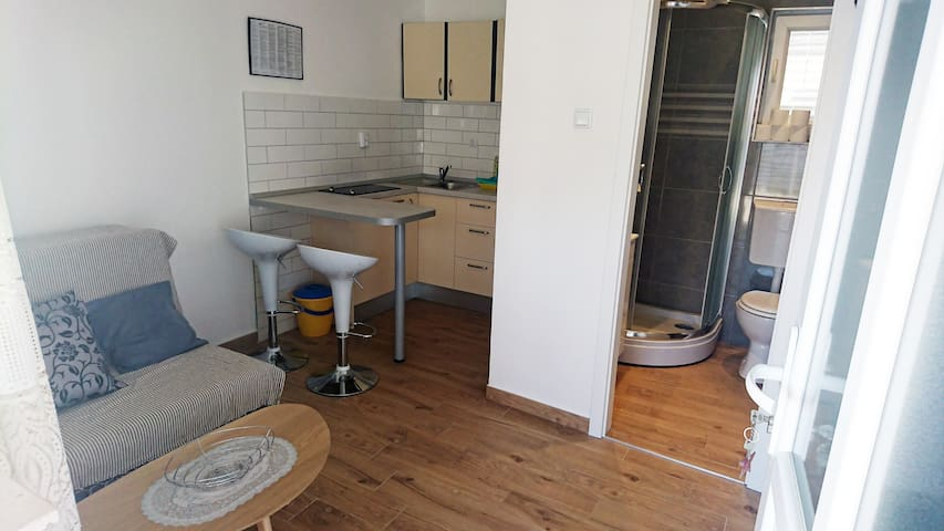 Apartment near beach, big balcony, free parking