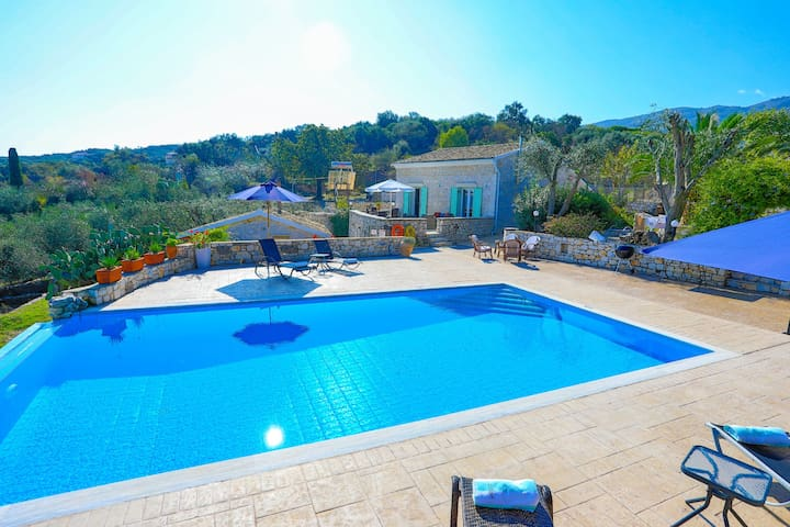 Villa Helona:  Estate type, pool, stunning views