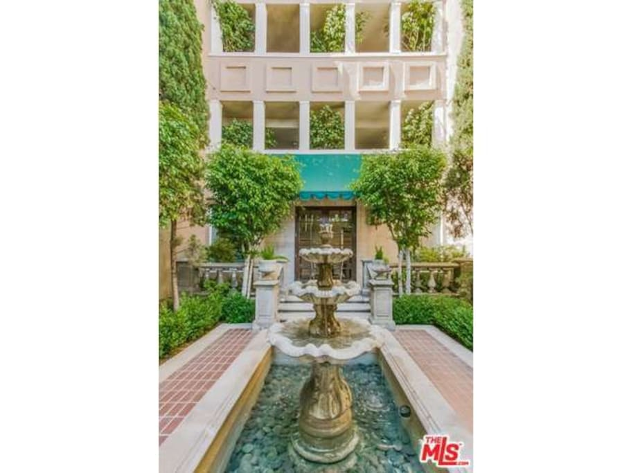 Luxury 3 Bedroom Condominium Near Sunset Plaza Apartments For Rent In West Hollywood