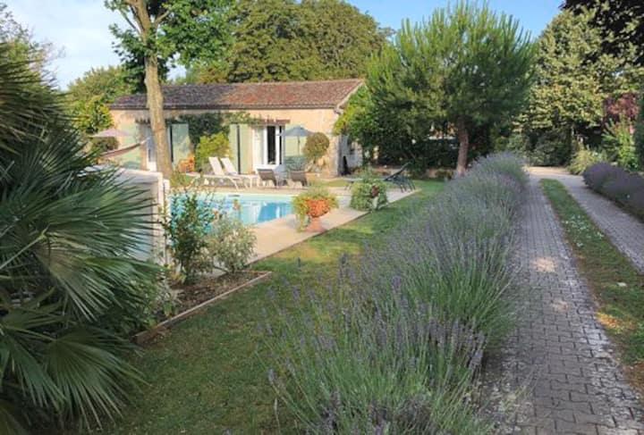 La Grande Barbotière : villa atypique, 28 pers