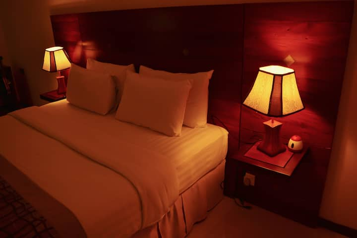 Unique Towers - Three Bedroom Deluxe Suite