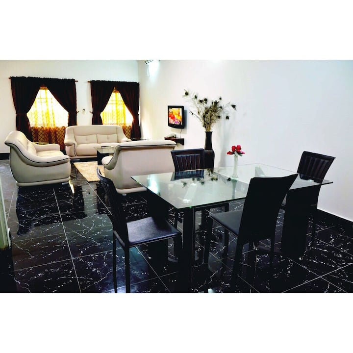 Lezsco Luxury Apartment ( 2 bedroom Apartment)