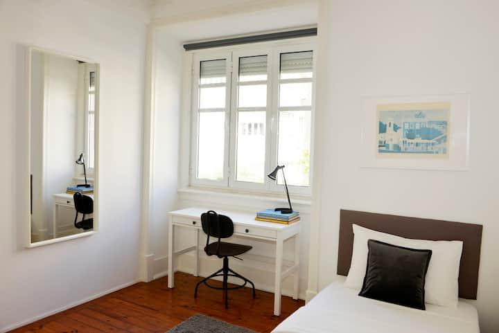 Cosy & Luminous Bedroom