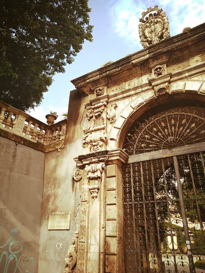 main entrance of Villa Cerami