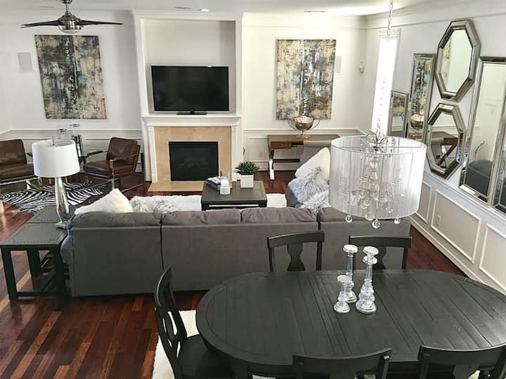 Large Luxury Home for 8 in Irving~15 min to Dallas
