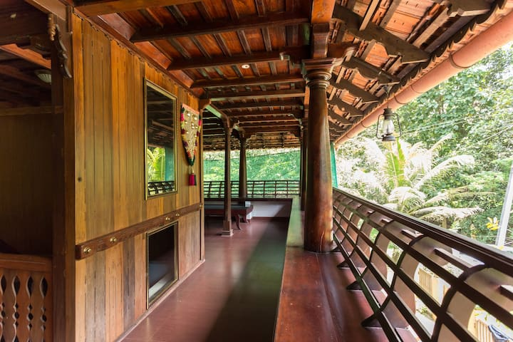 Heritage Private Room facing Canal - Vadakkemuri