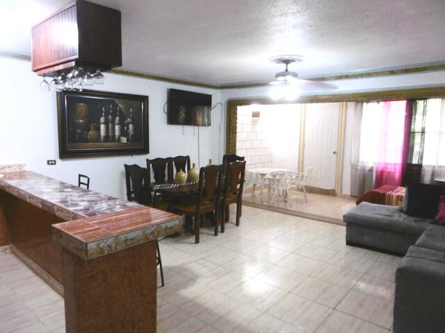 Comfortable apartment near the beach, pool and A/C
