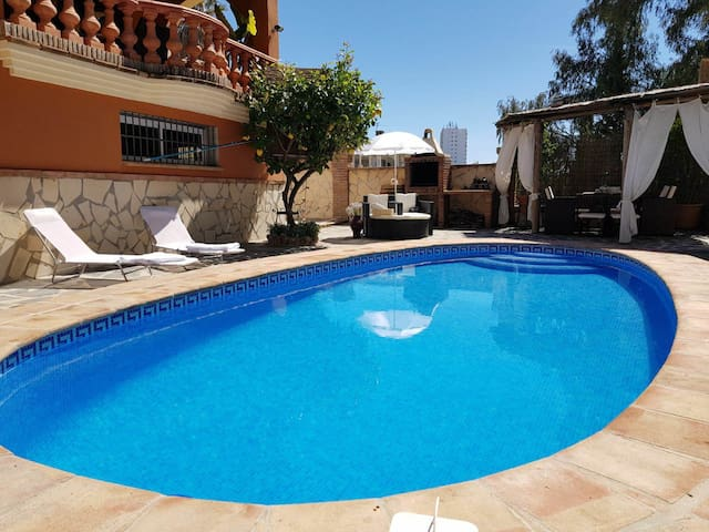 PARADISE Villa * Private Pool * Puerto Banus 5 min