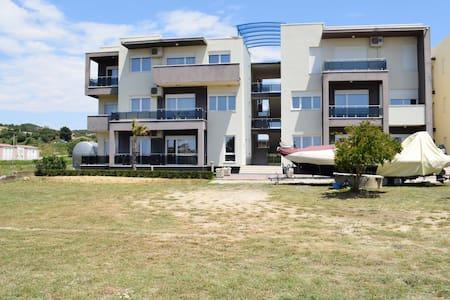 Baia Apartments-096