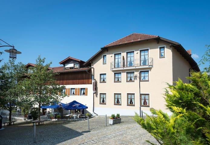 Hotel-Gasthof Zum Jägerstöckl (Grafenau), Einzelzimmer - mit gemütlicher Einrichtung