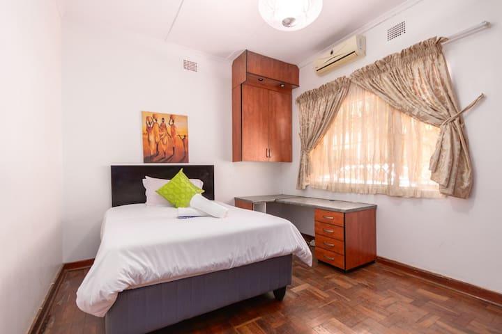 Loko's Place (Room 4/4)