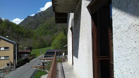 Panorama-Wohnung in den Bergen-CIR00131300001