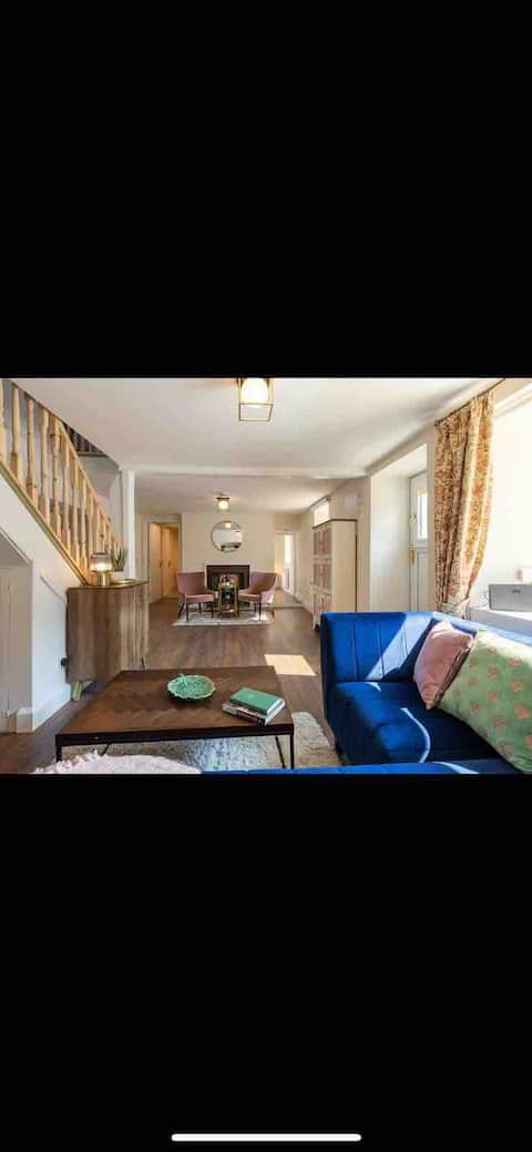 Cosy seaside cottage near Waterford Greenway