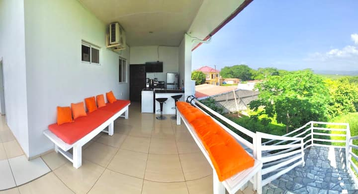 Habitación privada en exclusiva zona residencial.