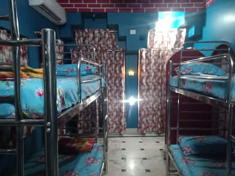 4 bed mixed dorm only 257 INR