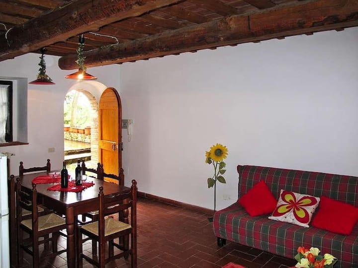 Fezzana - Pretty Apartment in Farmhouse for Family