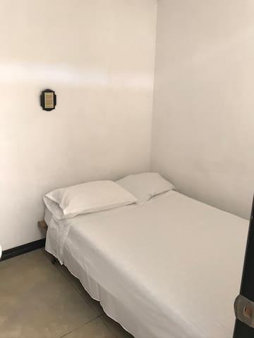 6th Bedroom (1st Floor) Habitación 6 (Piso 1) Service - Servicio