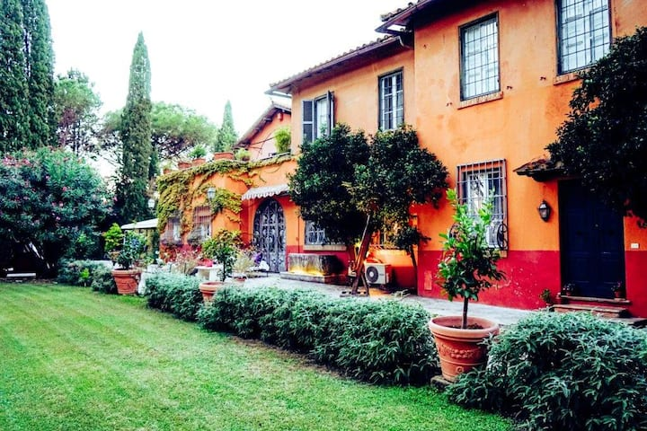 Rome Villa Silj exclusive use  (up to 24 guests)