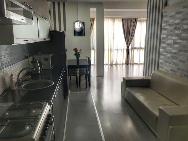 Стильная квартира в центре Батуми - Batumi - Apartament