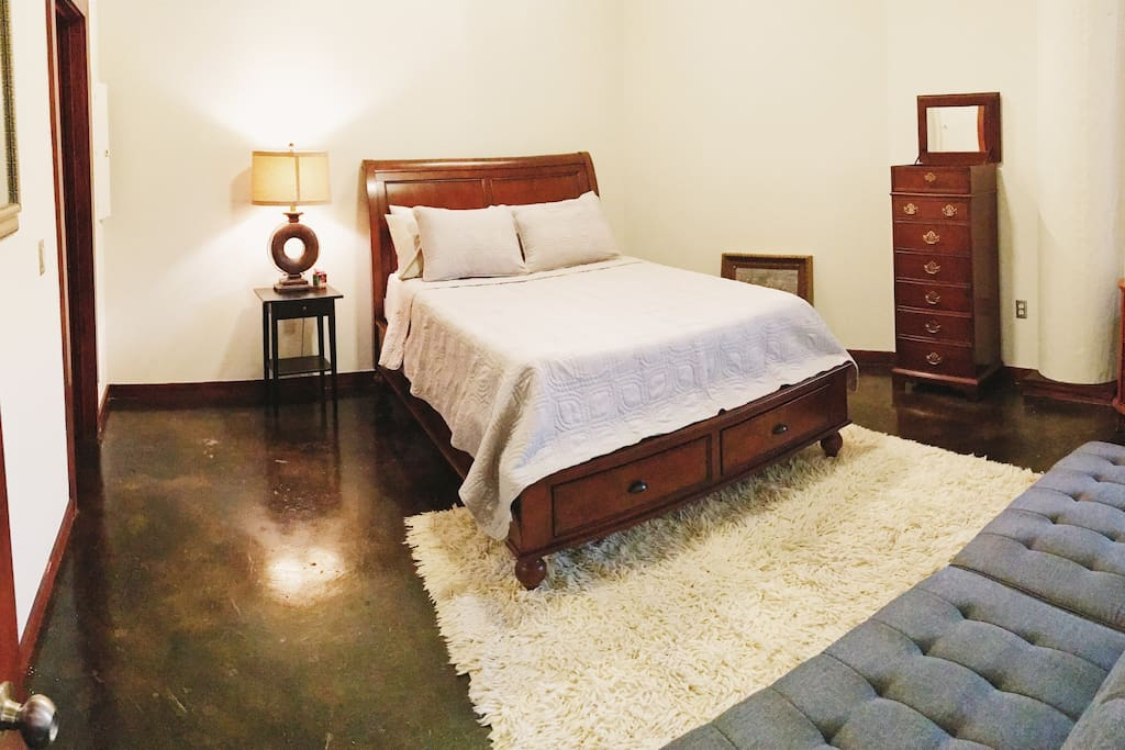 Queen bed and futon bed that opens into a bed with just a click