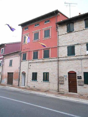 Grazioso bi locale a Mondolfo - Mondolfo - Daire