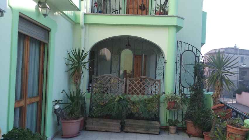 appartamento con terrazza a livello - Apartments for Rent in ...