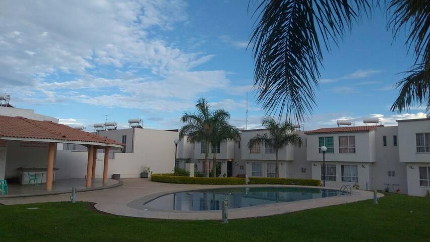 Casa Amueblada Con Alberca En Morelos