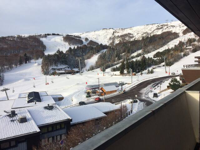 APPARTEMENT SUPERBESSE FACE AUX PISTES