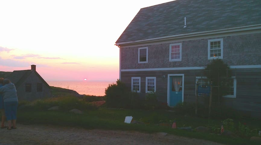 John Sterling Harbor House Monhegan - Monhegan