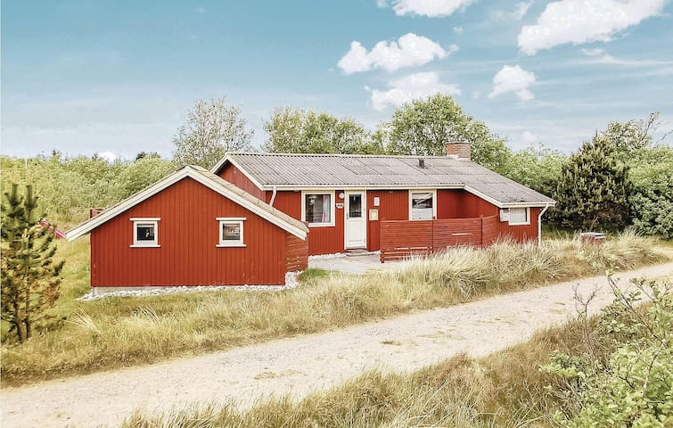 Holiday cottage with 3 bedrooms on 66m² in Fanø