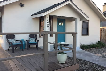 "Fabulous on 14th: Our Newest Property ""The Perch"" - Paso Robles - Lakás"