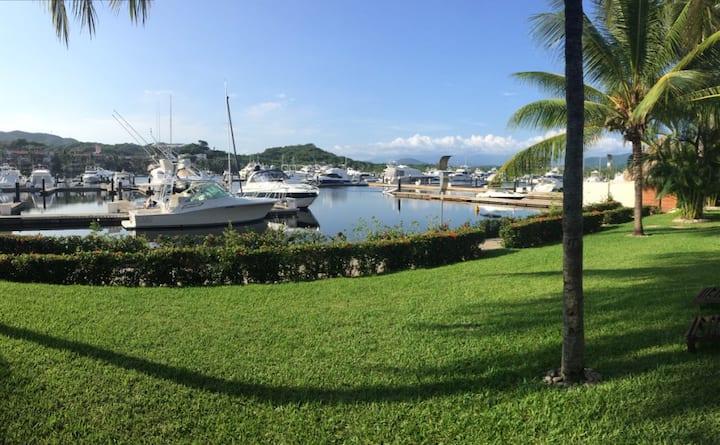 Luxury Villa in the Marina